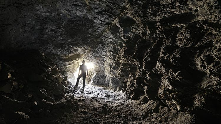 Caving the Buso della Rana