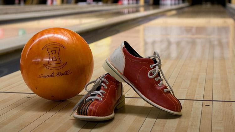 Daytime Bowling